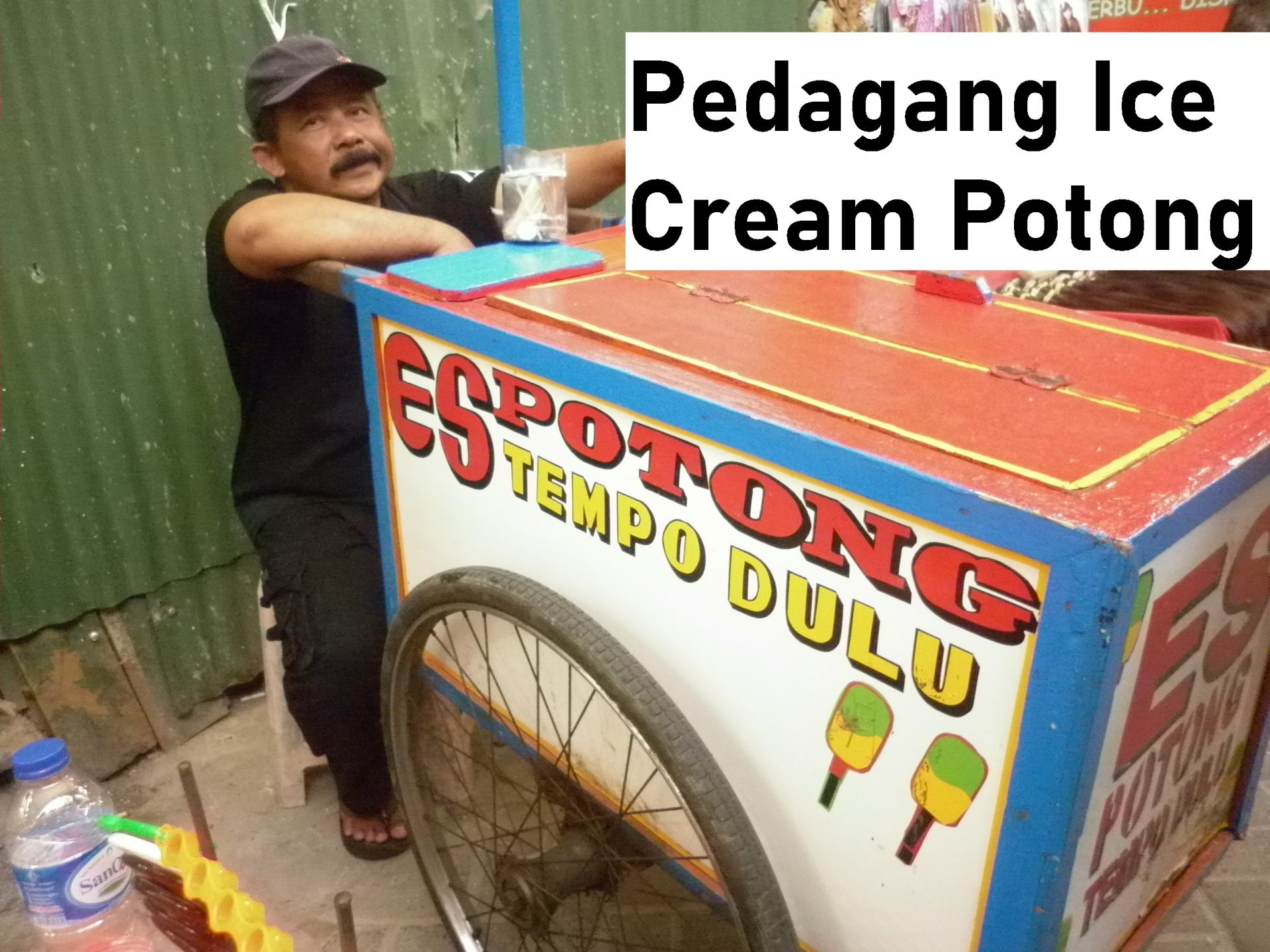 Pedagang Ice Cream Potong
